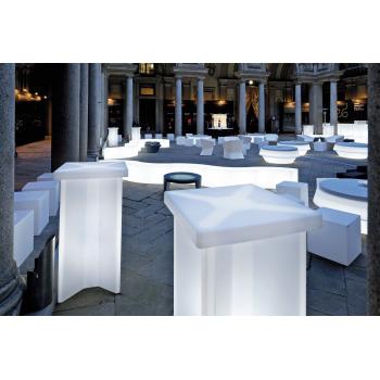 Svietiaci koktejlový stôl X2