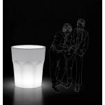 Veselá, prekvapujúce, neformálne váza-svetlo Cubalibre. Vhodné navnútorné i vonkajšie použitie. Materiál polyetylén. Rozmery 88 x V98 cm