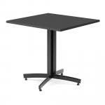 Kavárenský stolek s obdélníkovou deskou z vysokotlakého laminátu v dekoru imitujícím strukturu dřeva. Má podnož ze zahnutých plochých oválných trubek a nohy s rektifikací.   Deska z lamina Nohy s rektifikací Podnož z plochých trubek