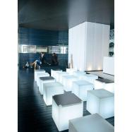 Svietiaca sedacia taburetka CUBO 43x43x43 cm