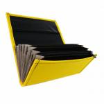 Koženková dvojzipsová kasírka/flek v žltej farbe, vzorom napodobňujúcim kožu. Štandardné prevedenie kasírky vhodné pre všetkých čašníkov a servírky.