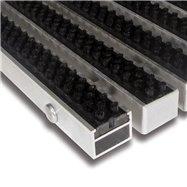 Čierna hliníková vonkajšia kefová vstupná rohož FLOMA Alu Super - dĺžka 100 cm, šírka 100 cm a výška 2,7 cm