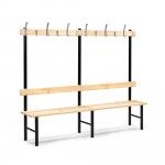 Jednostranná šatní stěna skládající se z lavice, opěradla a věšáku se 6 háčky.   Lakované borovicové dřevo Galvanicky pokovované háčky Pevná a robustní konstrukce