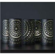 Čierny kovový svietnik pre LED sviečky